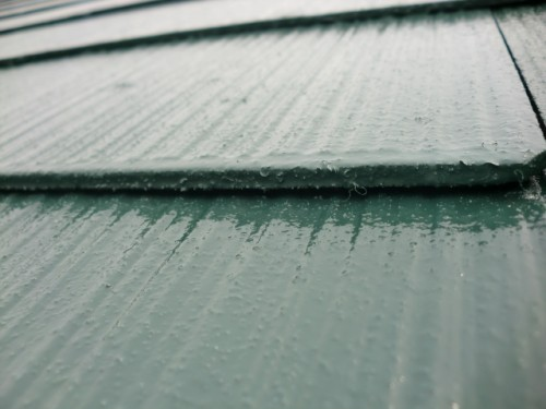 屋根材重なりの写真